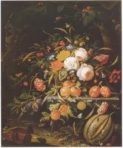 Bosstilleven met vruchten en een mand met bloemen