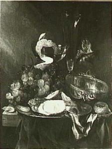 Stilleven met oesters, tasse de vin, horloge, fluitglas,