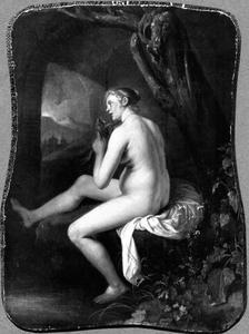 Naakte vrouw, haar haren kammend