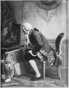 Oudere man bekijkt zittend een schilderij