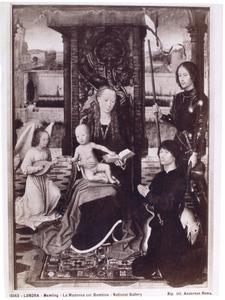 Tronende Madonna met engel, de H. Joris en een stichter