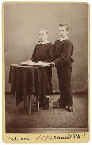 Portret van Frederik Lodewijk Gualtheri d'Aumerie (1864-1941) en Oswald Gualtheri d'Aumerie (1865-1962)