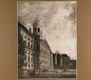 De Dam met het stadhuis en de Nieuwe Kerk in Amsterdam