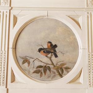 Medaillon met twee vogeltjes op een tak