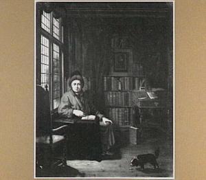 Man in zijn studeerkamer