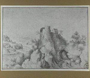 Berglandschap met rivier en kasteelruïne op een rots