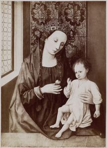 Gekroonde Maria met kind bij een venster