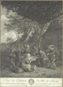 Een draailierspeler en een boerengezelschap etend en drinkend voor een herberg