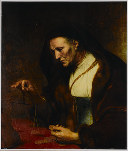 Oude vrouw weegt gouden munten
