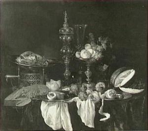 Stilleven met fruit, kreeft, gebraad en glaswerk op een