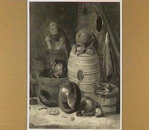 Vrouw doet de was in een keuken