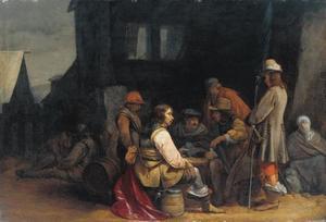 Soldaten die kaart spelen voor een ruïne