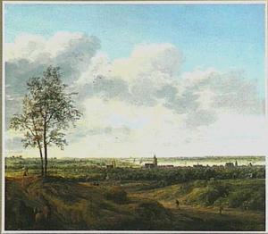 Weids landschap met gezicht op Arnhem