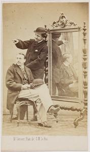 Portret van twee mannen, met waarschijnlijk Louis Idzard Douwe baron Sirtema van Grovestins (1841-1869)