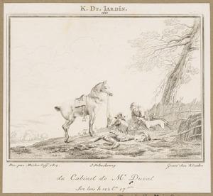 Twee rustende valkeniers met honden en een paard