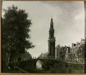 Gezicht op het Singel met de Jan Rodenpoortstoren in Amsterdam