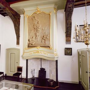 Lodewijk XV schoorsteenboezem met grisaille