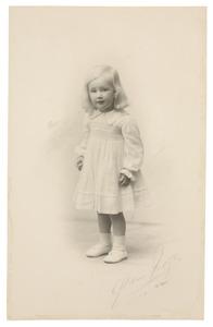 Portret van een meisje, waarschijnlijk Sophie Mechtild Marie gravin Aldenburg Bentinck (1924-...)