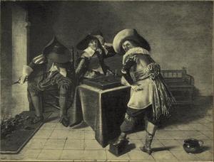 Triktrakspelende en rokende mannen naast een open haard