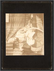 Portret van Marius Bauer (1867-1932) in oriëntaals kostuum