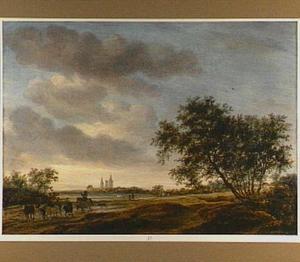 Landschap met op de achtergrond de ruïne van de abdij van Egmond