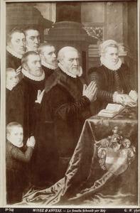 Stichtersportret van Gillis de Smidt met zijn dochter Anna en zijn zonen Vincent, Gillis, Nicolaas, Paschanius, Jan en Peter