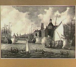 Schepen lossen saluutschoten voor de haven van Rotterdam