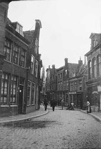 Gezicht op een straat te Haarlem