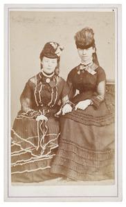 Portret van Maria Johanna Westendorp (1855-...) en mej. Guy