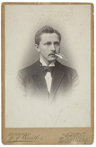 Portret van een man, waarschijnlijk Willem de Jonge (1870-1937)