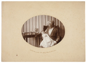 Portret van Anna Cecilia van Haersma de With (1864-1930) en een kleinkind