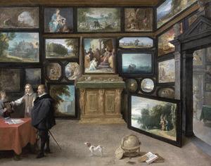Interieur van een kunstverzameling met kunstkenners