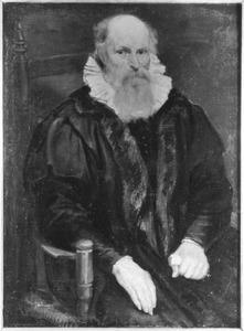 Portret van een zittende oude man met een plooikraag 'à la confusion'