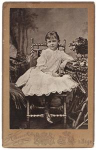 Portret van Koningin Wilhelmina (1880-1962) als kind