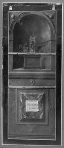 Vanitasstilleven in een nis (op de binnenzijde: De H. Clara met een stichtster)