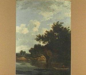 Beboste rivieroever; op de voorgrond een roeiboot