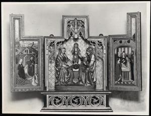 The aanbidding van het Christuskind door Maria en Jozef (binnenzijde linkerluik), Anna-te-Drieën (middendeel); De besnijdenis (binnenzijde rechterluik)