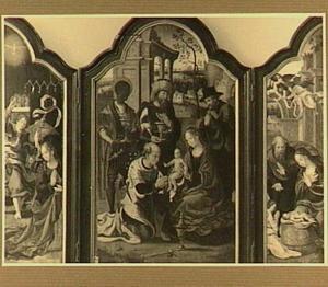 De annunciatie (links), de aanbidding van de Wijzen (midden), de geboorte (rechts)