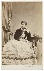 Portret van een vrouw uit familie Arnold, waarschijnlijk een dochter van Jan Willem Arnold (1813-1885)