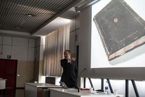 Erik Löffler tijdens een lezing over het RKD aan de Università degli Studi della Calabria