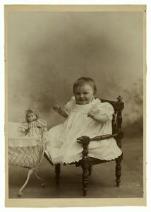 Portret van Kathleen Georgine Aleida Philo Hiddingh (1899- )
