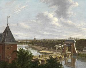 De Amsterdamse buitensingel bij de Leidsepoort, gezien vanuit de Stadsschouwburg