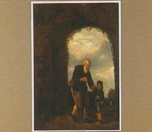 Oude man met jongen in een boog-opening