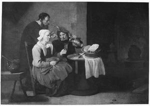 Een oude vrouw wordt bediend in een herberg