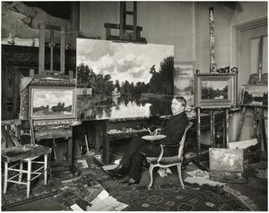Nicolaas Bastert in zijn atelier
