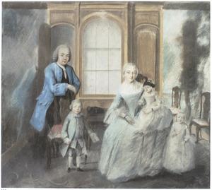 Portret van een echtpaar met drie kinderen