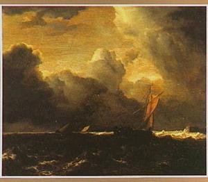 Bewogen zee met zeilboten