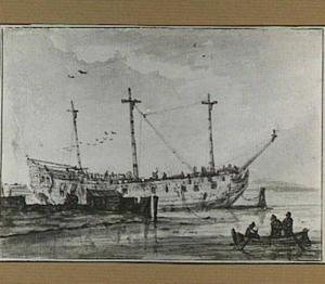 Afgetakeld oorlogsschip op de rede