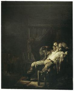 Een arts en een jonge vrouw die een man opereren aan de borst, met links binnentredende figuren
