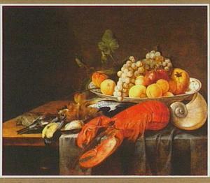Stilleven met fruit, dode vogeltjes en een gekookte kreeft